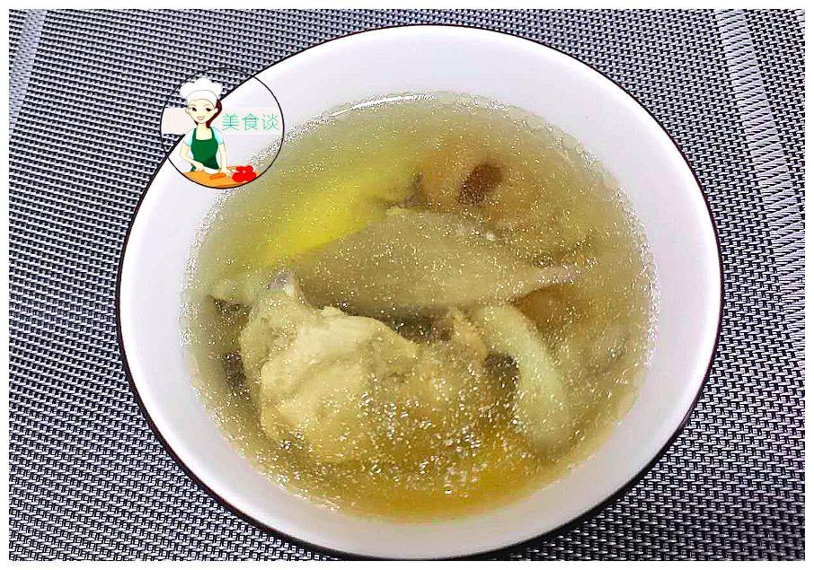 一场秋雨一场寒,冷天要多给家人煲汤喝,沙虫炖鸡汤,鲜甜又营养