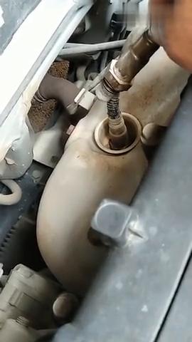 汽车费油,无力,抖动,花几十元钱把氧传感器换了即可解决