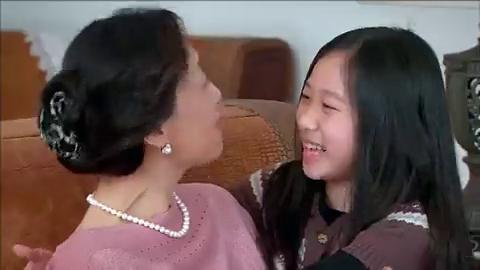同父异母的姐姐回国,不料妹妹和她一拍即合,这下总裁父亲放心了