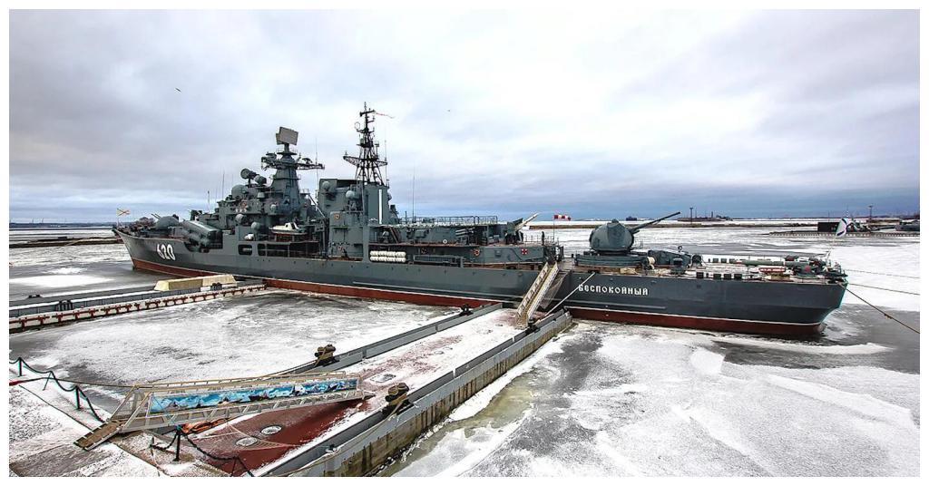 俄军官偷走价值3900万,13吨重螺旋桨,属于退役现代级驱逐舰