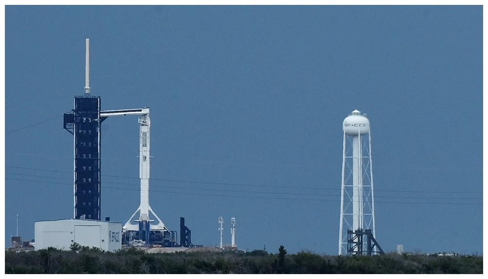 """由于天气原因?SpaceX推迟""""龙""""飞船载人航天发射"""