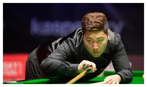 颜丙涛10-8险胜世界冠军登顶大师赛,丁俊晖后第2人!