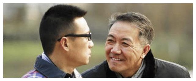 """跑龙套15年因《我是特种兵》走红,""""岳父""""李幼斌都对其称赞有加"""