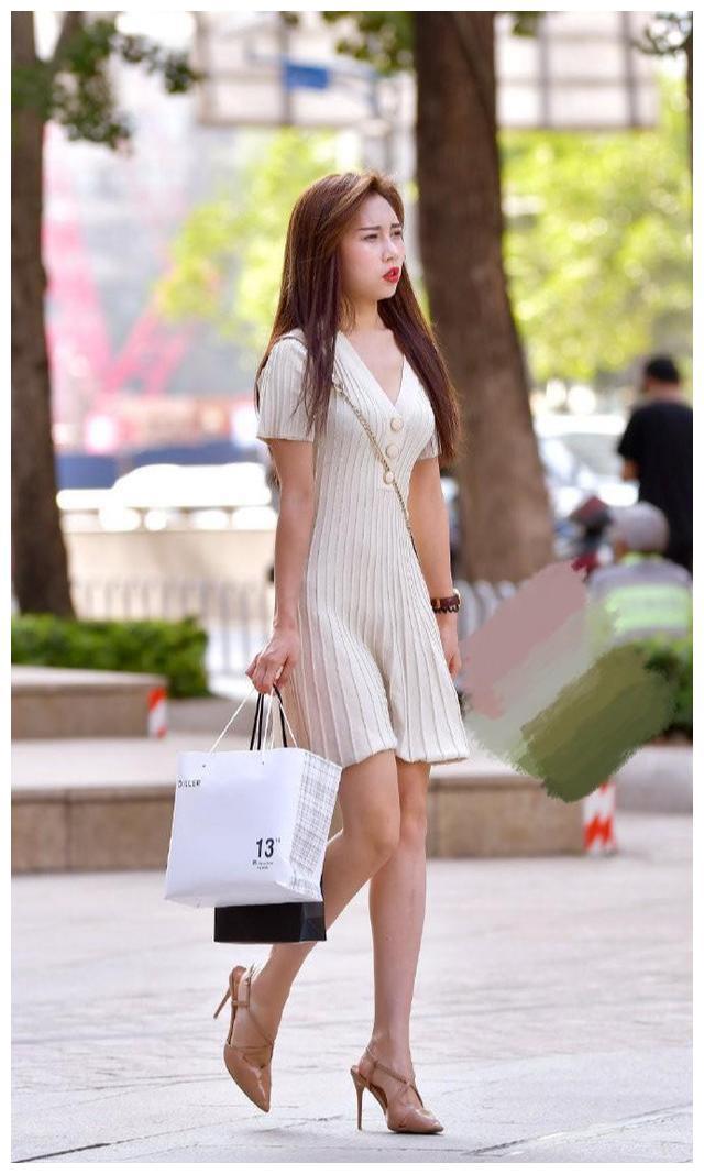 """针织裙很""""仙"""",但确实太热了,你们喜欢穿吗?"""