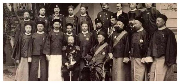 环视列强意图后,清廷高层重要人士深信和平贸易是帝国主义的企图
