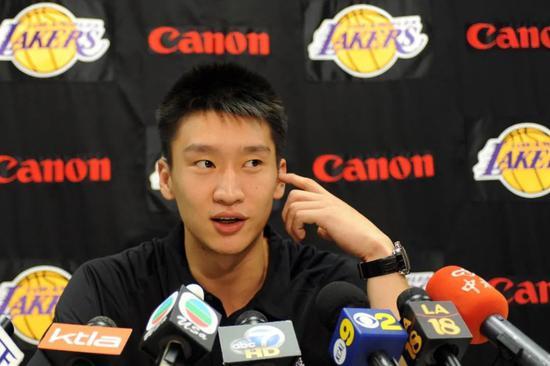 浅谈男篮:大帽霍华德,他是中国男篮最具身体天赋的后卫