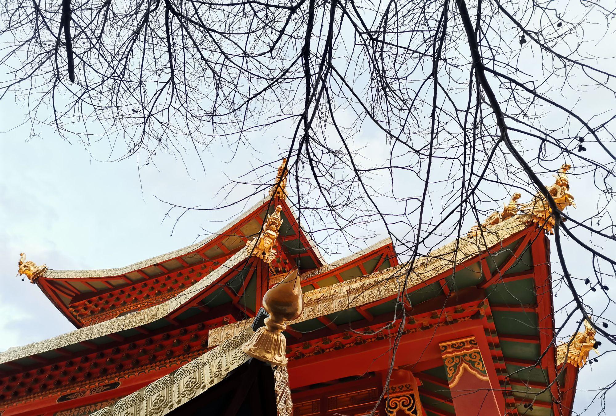 香格里拉独克宗古城,巨大的转经筒、古朴的茶马古道