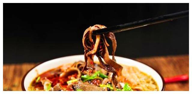 """""""爆肚""""因何成了北京风味小吃?为什么成为北京人习惯吃的食物?"""