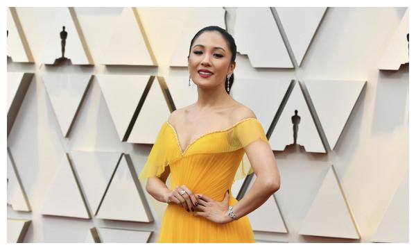 《疯狂的亚洲富豪》女主角吴恬敏当妈 夏天诞下一女