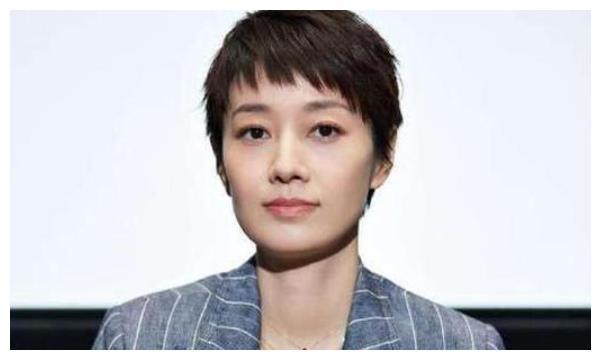 """45岁马伊琍被曝""""母子恋"""",两人暧昧不清,为小18岁男友卖力宣传"""