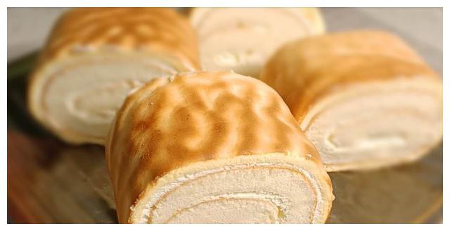 原来虎皮蛋糕卷是这样做的,不开裂,味道不错