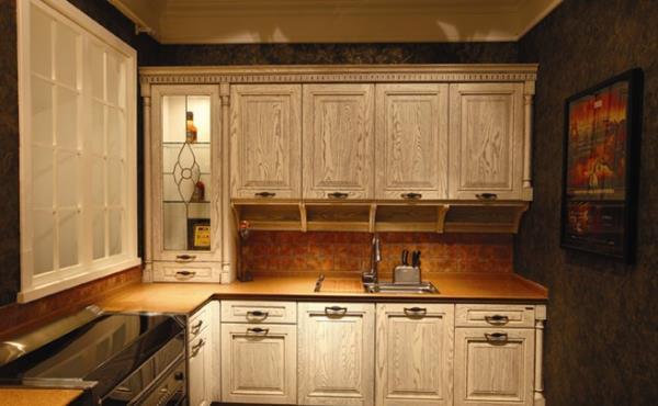 实木橱柜门用什么油漆 实木橱柜门板油漆工艺