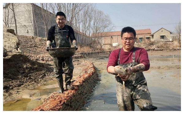 80年代之前,人们都靠野菜充饥,为何不去抓河流里的鱼?