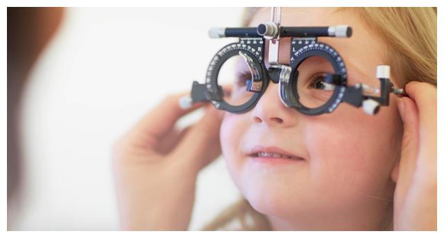 吃甜食影响孩子视力?这3种才是影响视力的罪魁祸首,家长要知晓