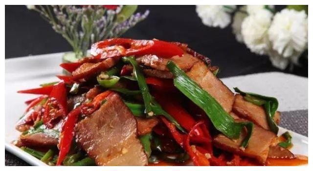 小炒菜:炒培根,菠菜拌海蜇,水煮羊肉,炸排骨