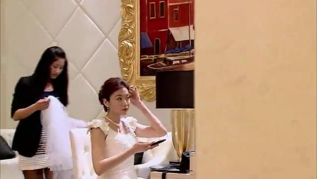 建弘跟刘安琪结婚,李璇带人送花圈
