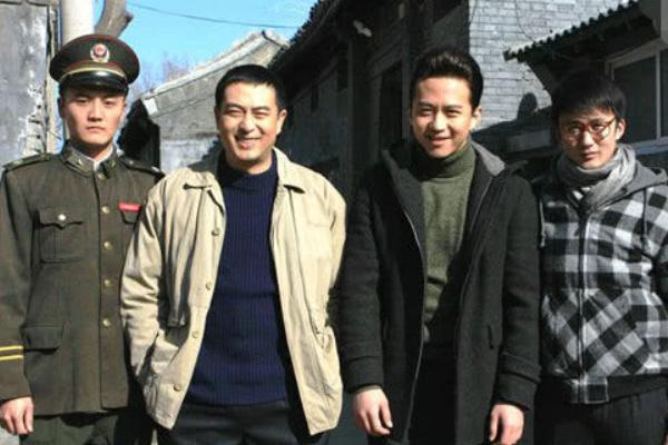 49岁张嘉译为捧红表弟,用了11部剧,如今登上央视有望超过张嘉译