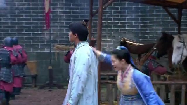 美人私房菜:桂儿意外见到李甲,她心慌地逃到后院!