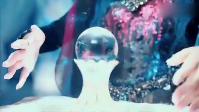 岚裳在水晶球中看家乡,还将项链扔进湖中考验樱空释
