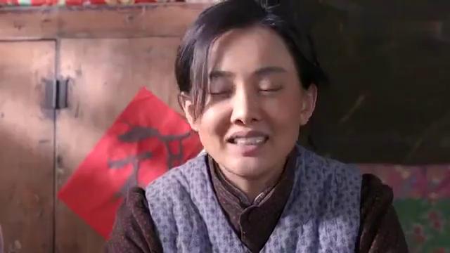 老农民:农妇棉花糖设备被没收,竟又打算卖糖葫芦,真能折腾!