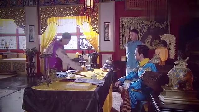 溥仪吐露想离开皇宫,结果全被门外的太监听见,立马上报给王爷!