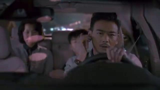 曲筱绡教大家怎样对付男友,话刚到嘴边,邱莹莹听不下去