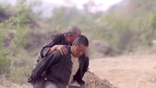 老头在祖坟旁解手,谁知刚拉完,下一秒当场去世