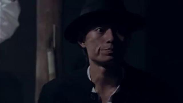 间谍医生受辱自尽,国军处长怒打下属,并让人找借口将其送回