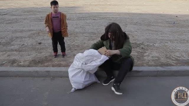 现在的乞丐躺着也能日赚上千元?结局笑死我了