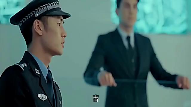 路痴的美女警察,突然说出地点,男子纳闷了