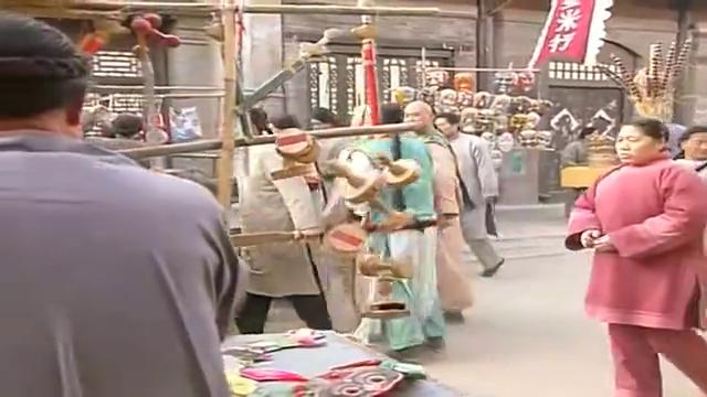 还珠格格经典片段 尔康永琪尔泰三人陪西藏公主赛娅玩遍集市