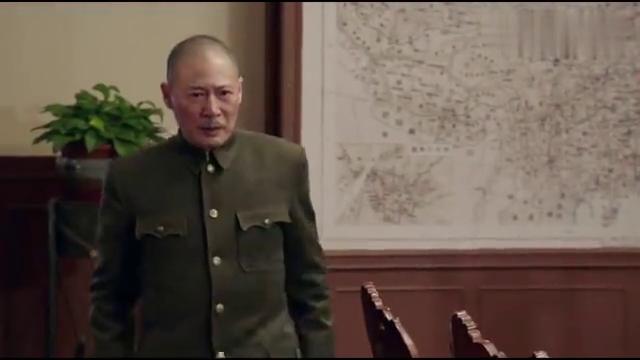 换了人间:老蒋因何思源一事,对下属大发脾气,急忙询问北平兵力