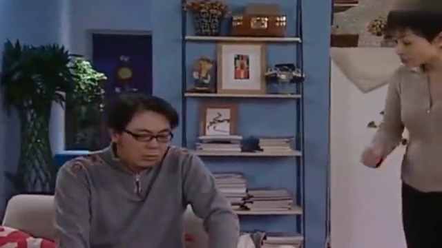 家有儿女:刘梅给刘星量体重,打开衣服一看,场面笑破肚皮