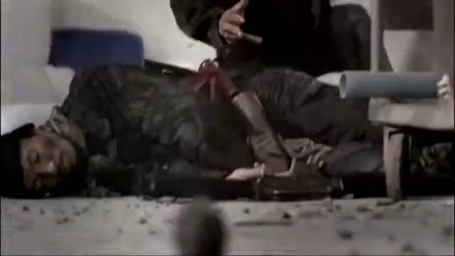 海军陆战队特种兵,一个人挑战两个泰拳高手, 双方硬碰硬对干