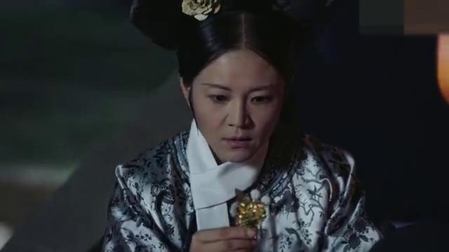 如懿传:素练是被害的,嘉妃劝纯妃争得皇后之位