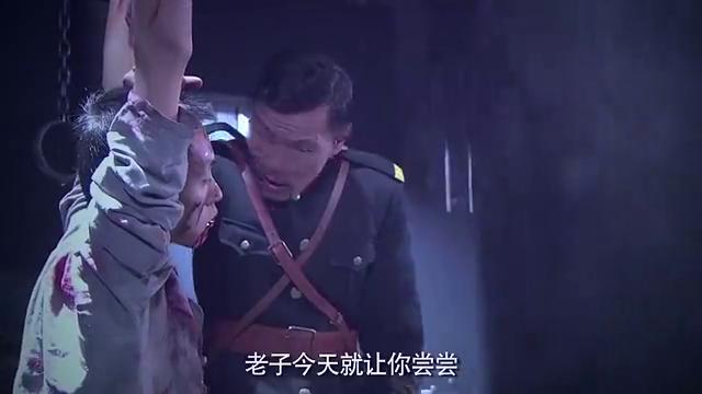 鬼子队长切腹自尽,发帖请中国小伙观看,举刀那一刻太残忍