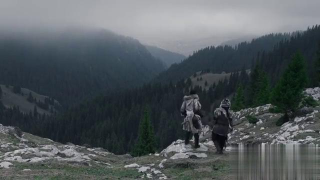 男子终于到达黑森林,森林里面到底有什么?