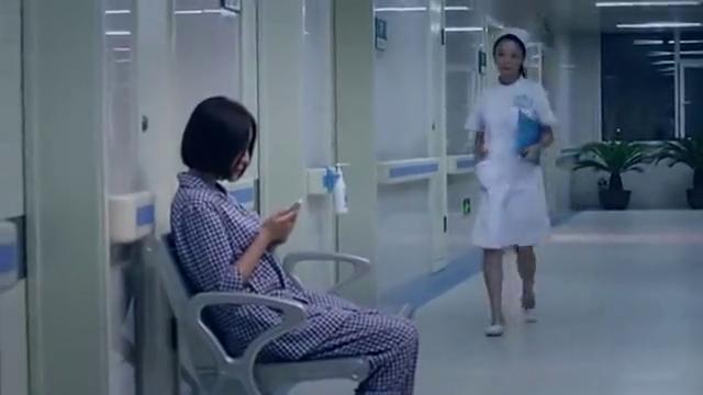 马向阳下乡记:半夜睡不着的周冰在医院走廊碰到小曼!