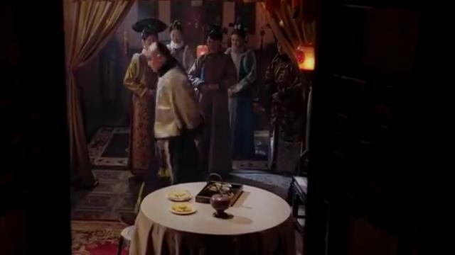 如懿传:刚生下的孩子夭折,看到遗体,皇上站不稳了