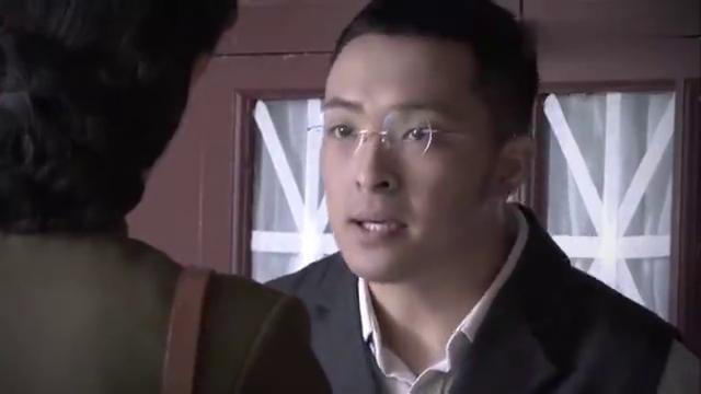影视:白专员突袭教授宿舍,突然发现可疑人员,不料竟是县长之女