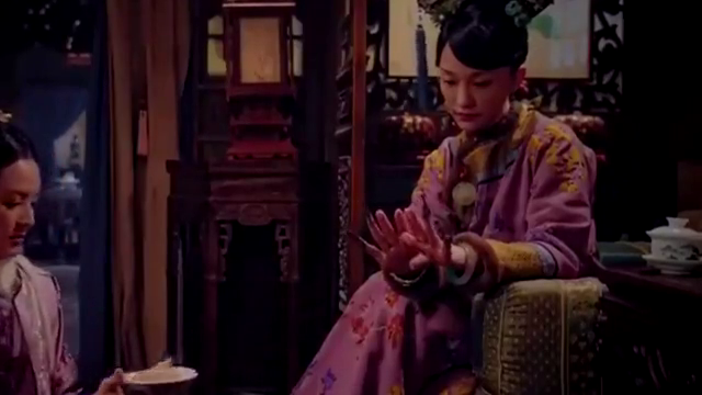 如懿传:贵妃污蔑海兰偷盗,故将她罚跪在冷风中,也是活该