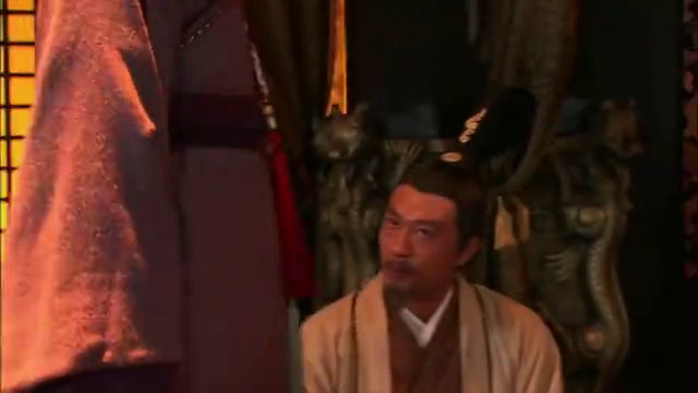美人心计:皇上要大臣认刘盈,不料大臣担心家眷,不敢说