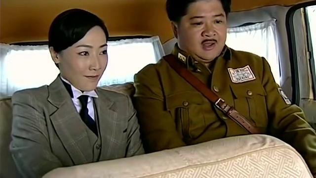 洪二小姐居然让樊哈儿亲吻她,最关键的是,哈儿居然真的敢亲