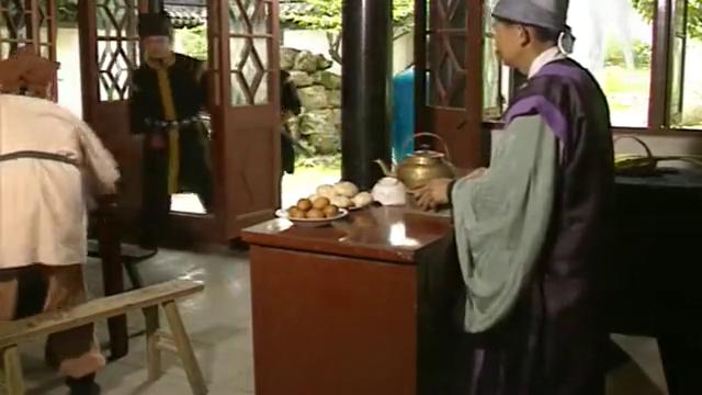 济公客栈找雅间,一壶茶水和几个包子,吃的可是真香啊