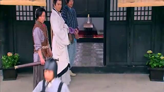 王的女人:眼看一把剑对准海天的喉咙,最后却峰回路转