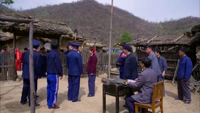 刘富刘家堡子一手遮天,当警察面威胁孤儿寡母,做事太绝