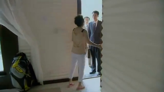 安娜收到老夏的离婚律师函,看到里面的内容,彻底崩溃了