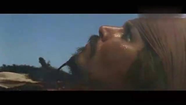 加勒比海盗:杰克醒来,发现伊丽莎白将全酒烧了,把他气得不轻啊