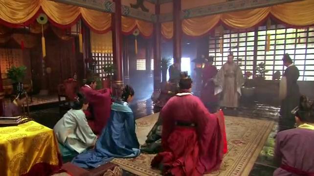 精忠岳飞:母亲请求老皇帝不要让赵构去金国,不料老皇帝非常非常
