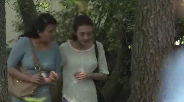 活法:雨瞳带妈妈去老年公寓,谭小慧却唱起了动听的戏曲